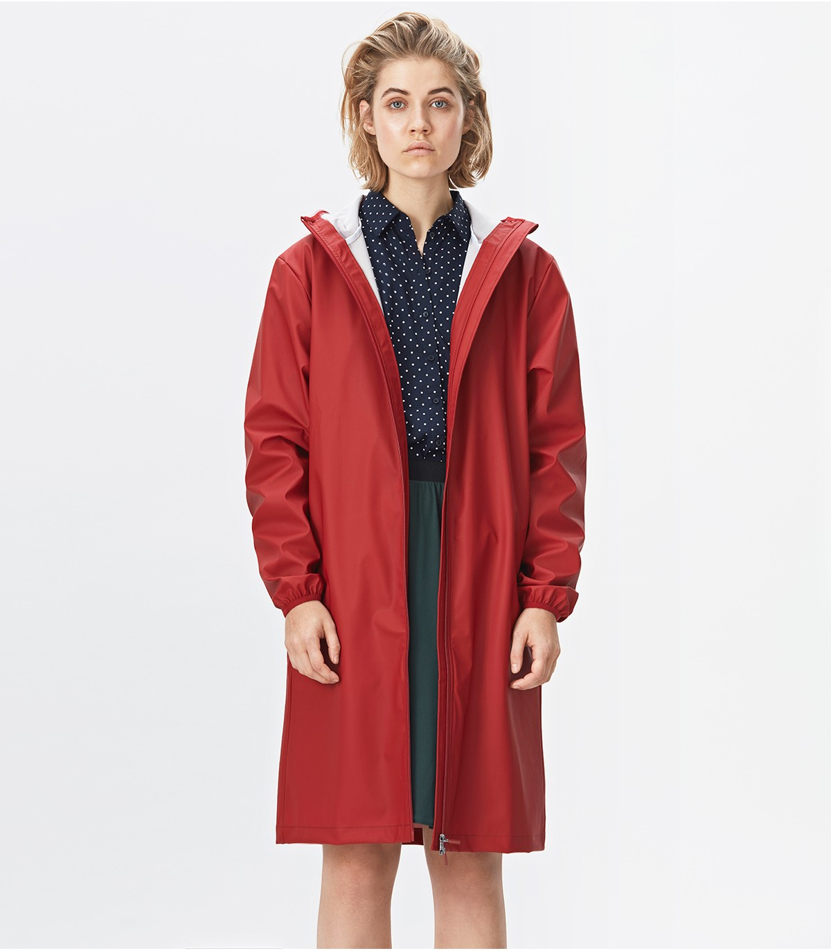 Sportieve Lange Winterjas Dames.Rains Base Jacket Long Scarlet Lange Regenjas Rains Official Shop