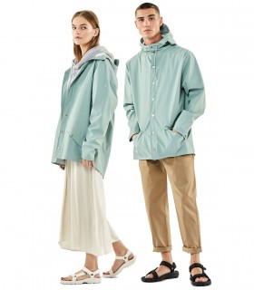 Regenjas dames en regenjas heren Rains jacket dusty mint vrouwelijk en mannelijk model